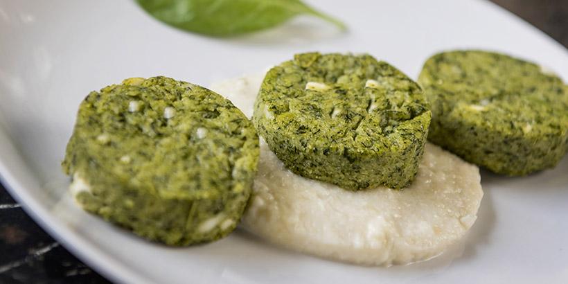 Gnocchi di farina di mais con spinaci